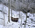 Избушка в укромном месте в долине реки Фиагдон.