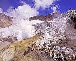 Удивителен, прекрасен и неподражаем мир внутри кратера Мутновского вулкана. Лёд и пламень, созидание и разрушение - две движущие силы мироздания в одном месте.